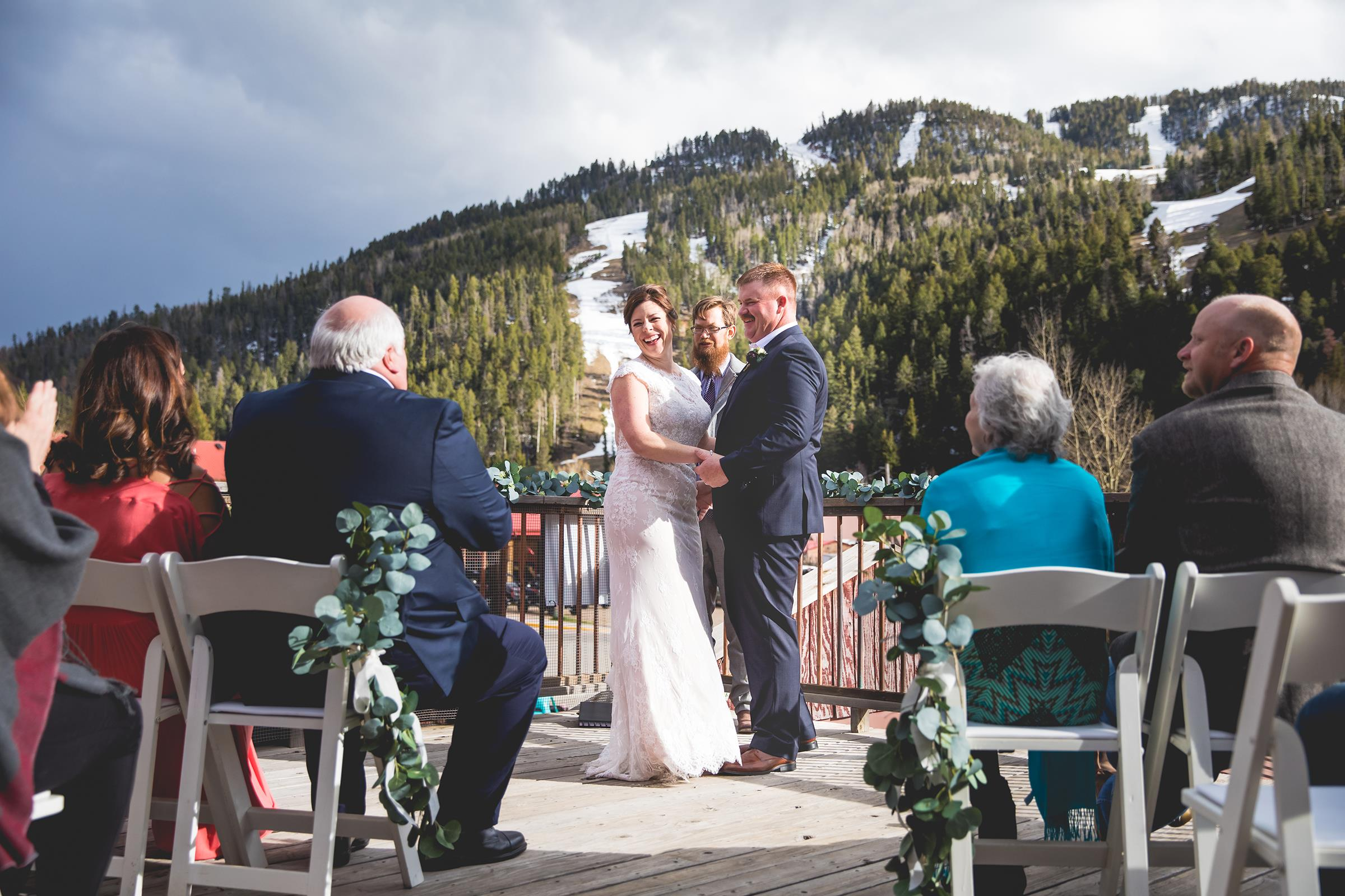 wedding on 4k vu deck